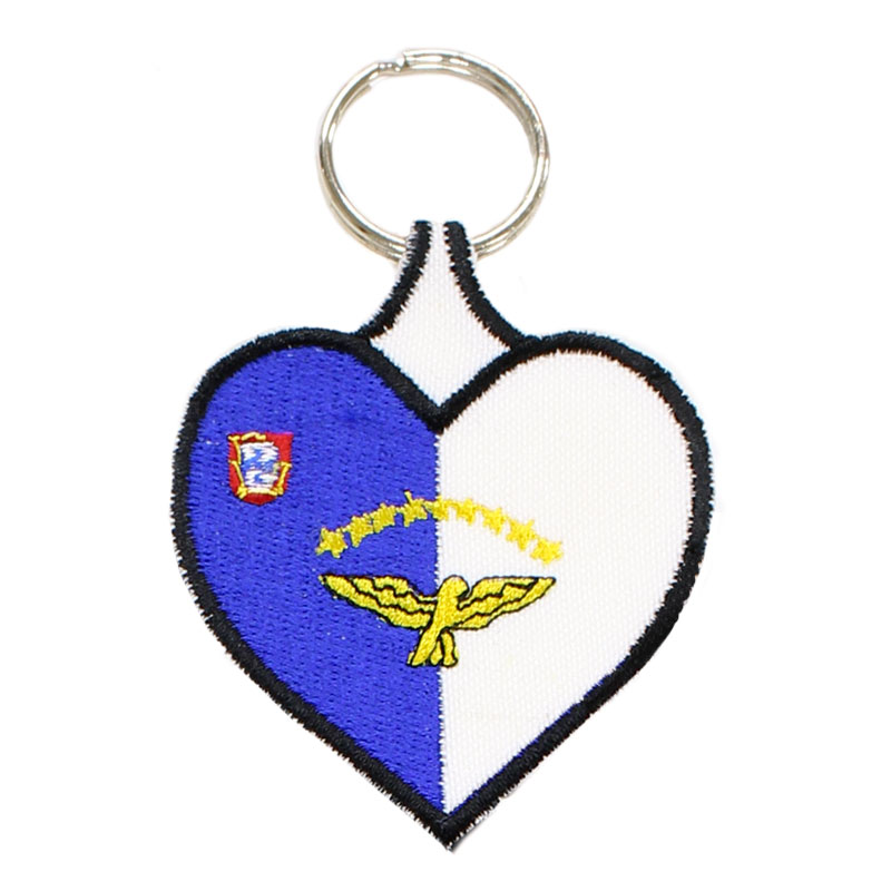Porta-chaves Bordado Coração Bandeira Açores